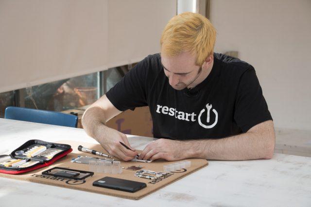 repair fairphone